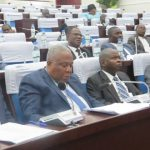 Les responsables du ministère des énergies lors de la séance de l'AN consacrée au vote de la loi EnR